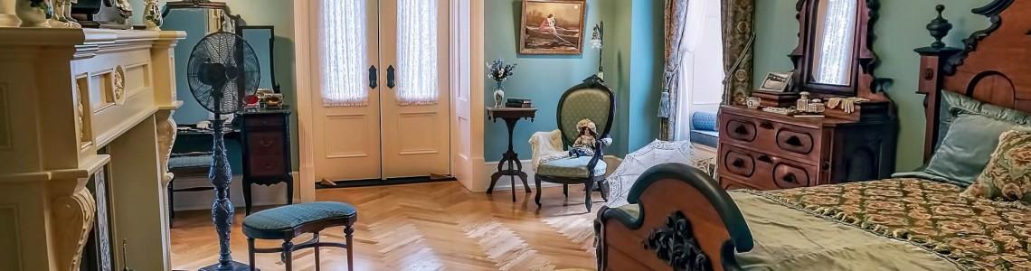 Amenajarea unui dormitor în stil clasic